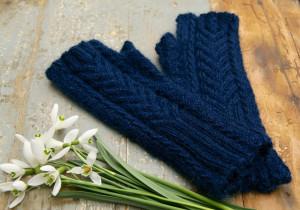Wiveton-fingerless-gloves-sock-yan