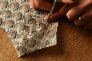 cutting-tailor-tacks